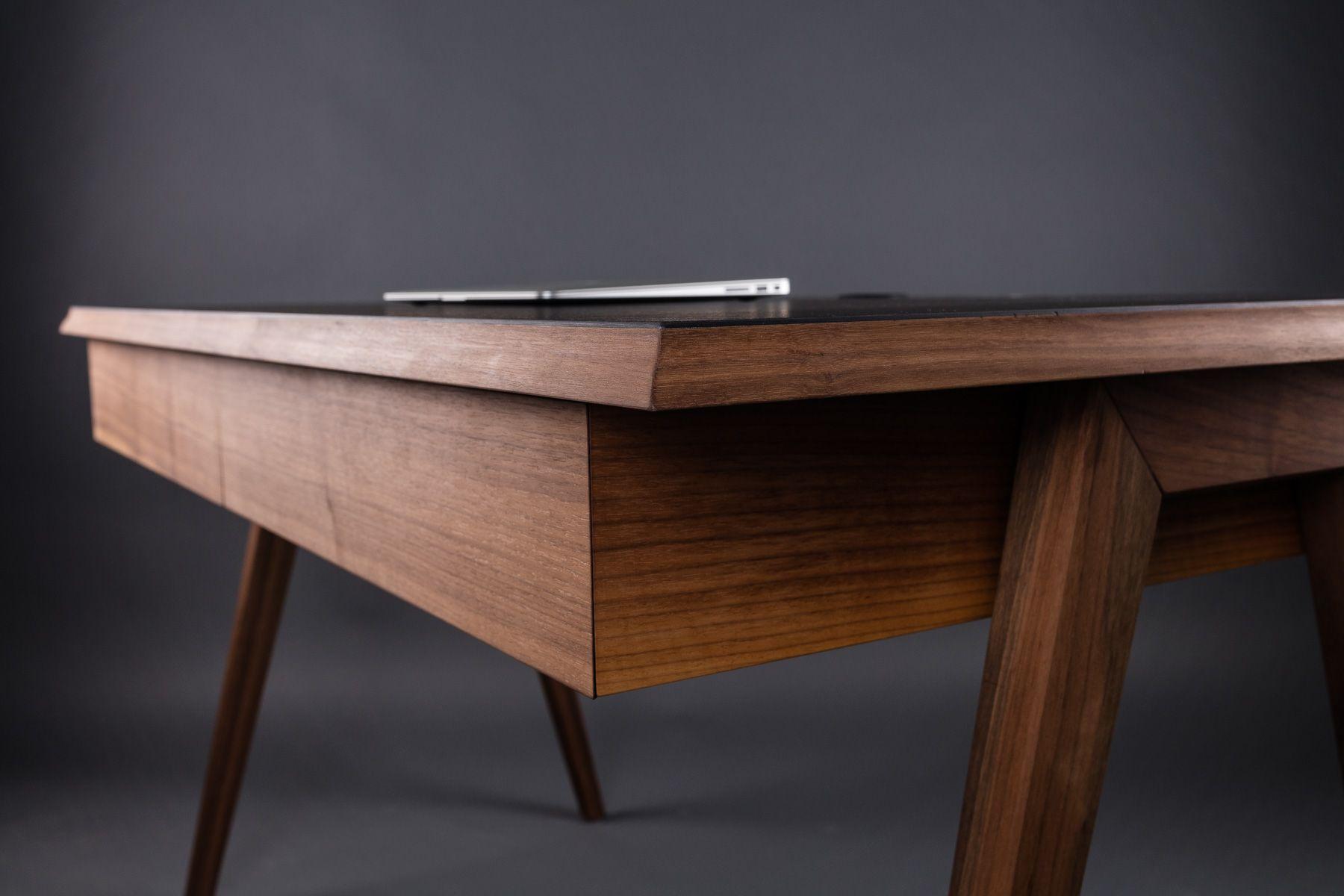 Schreibtisch Mit 2 Schubladen Amerikanischer Nussbaum
