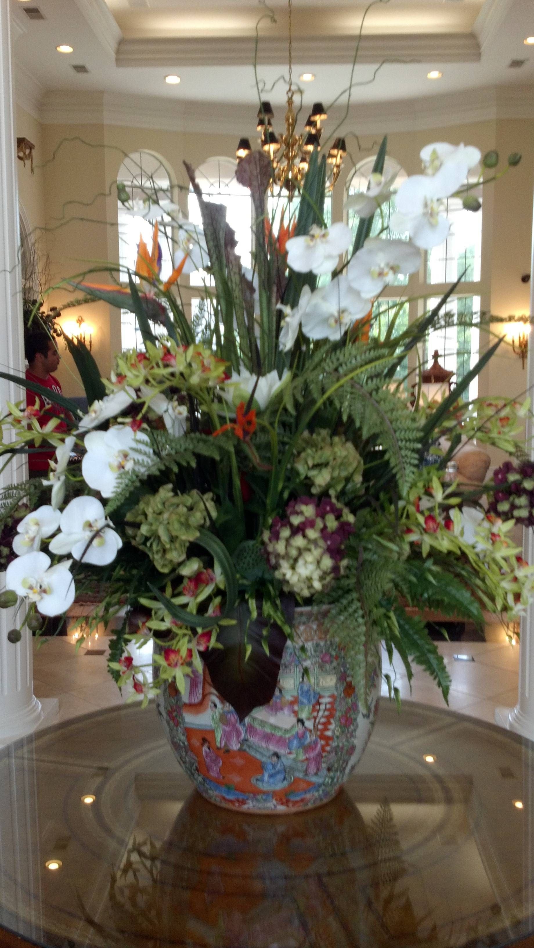 Christmas Flower Arrangements Artificial.Big And Bold Silk Flower Arrangements Homestyle