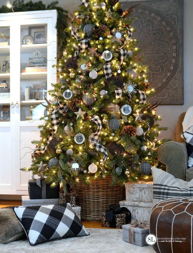 Black and White Plaid Buffalo Check Christmas Tree   Plaid christmas tree, Plaid christmas decor ...