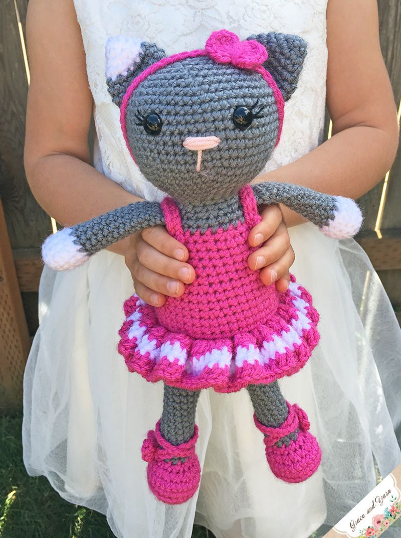 Ravelry: Playing Cats Amigurumi pattern by J.A. Poolvos | 1072x800