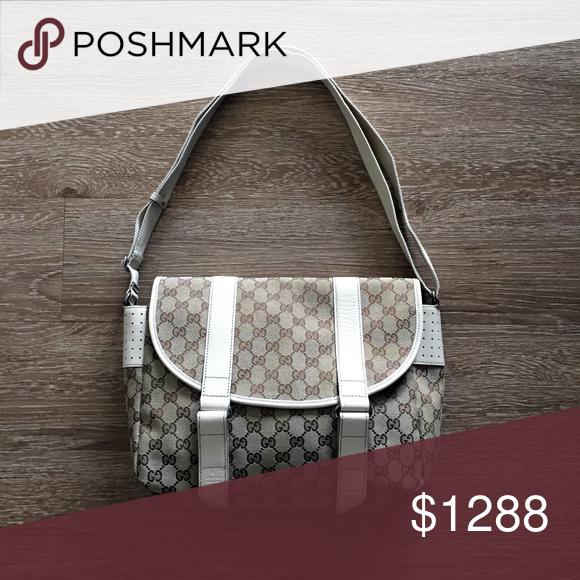 cc280398866 GUCCI GG monogram canvas messenger satchel handbag GUCCI 145859 467891 made  in Italy. classic.