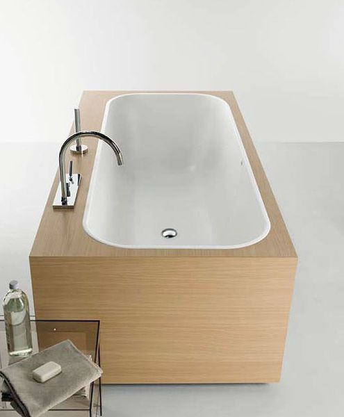GEO BOX bath tub | Designer: KOS - http://www.zucchettikos.it/tool/home.php?s=0,110,112,156,168&psl=112&pl=130 #bathroom #bath_tub
