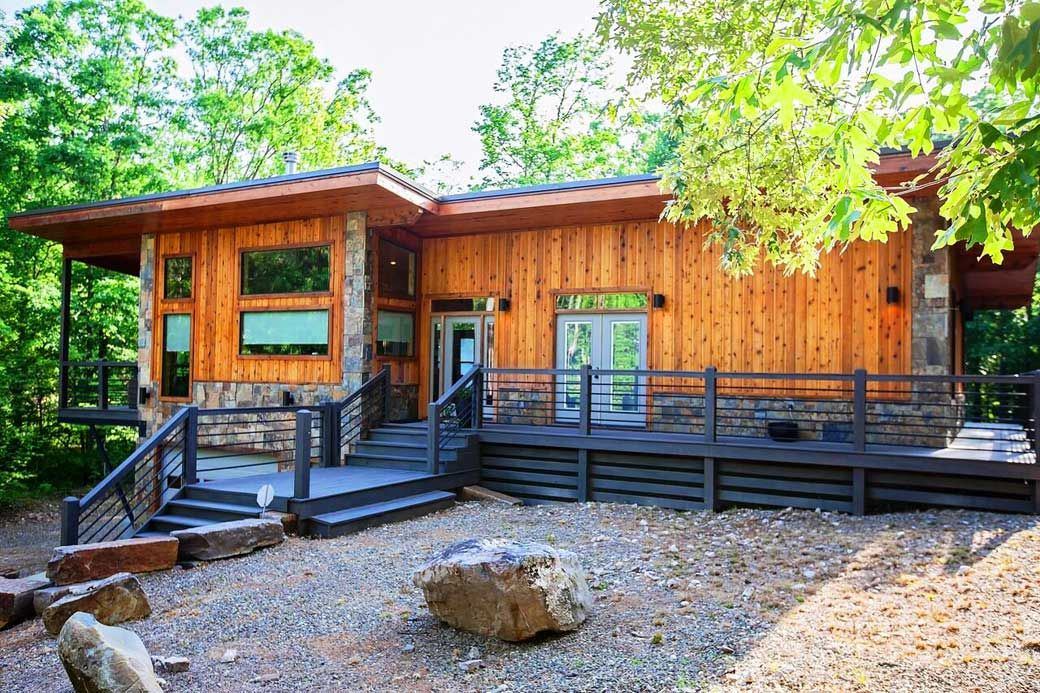 Check Availability For This Cabin Wright On The Creek Sleeps Up To 6 Nightly Rates 275 00 A Night On Weekends Thu Luxury Cabin Rental Cabin Broken Bow Cabins