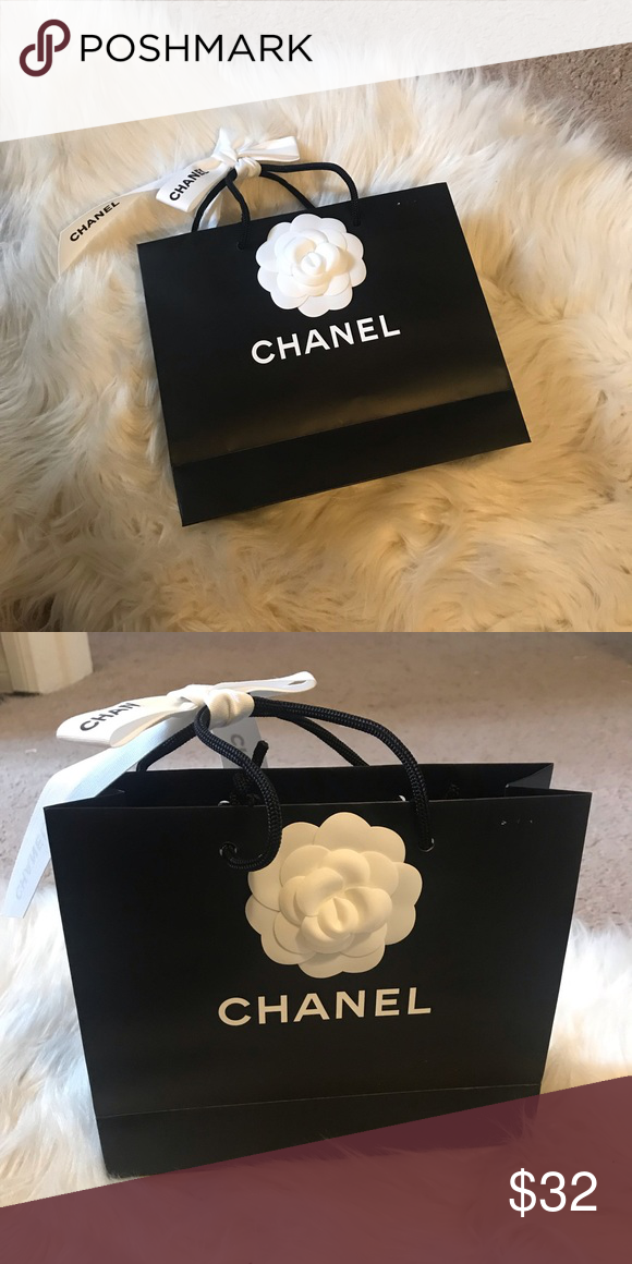 30450c2a636e CHANEL Empty shopping bag - small Brand new, 100% Authentic CHANEL empty  shopping bag