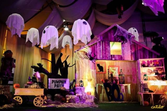 ihriels halloween themed party pumpkin patch venue decor