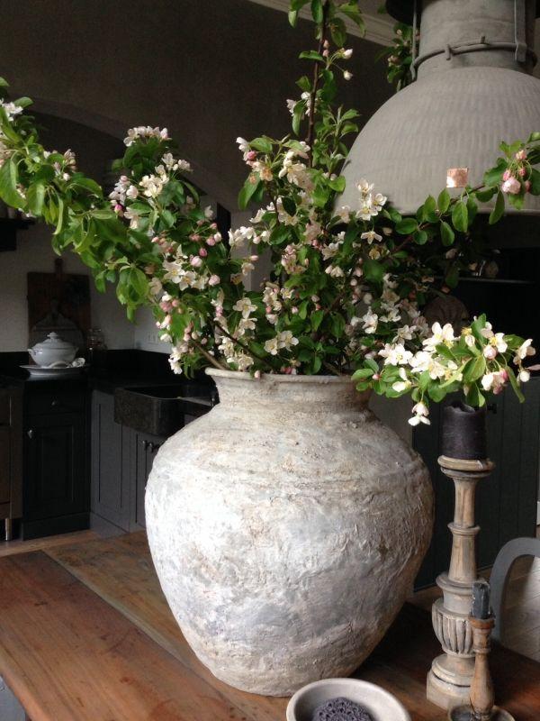Binnenkijken interieur landelijk stoer planten binnen for Landelijk interieur accessoires