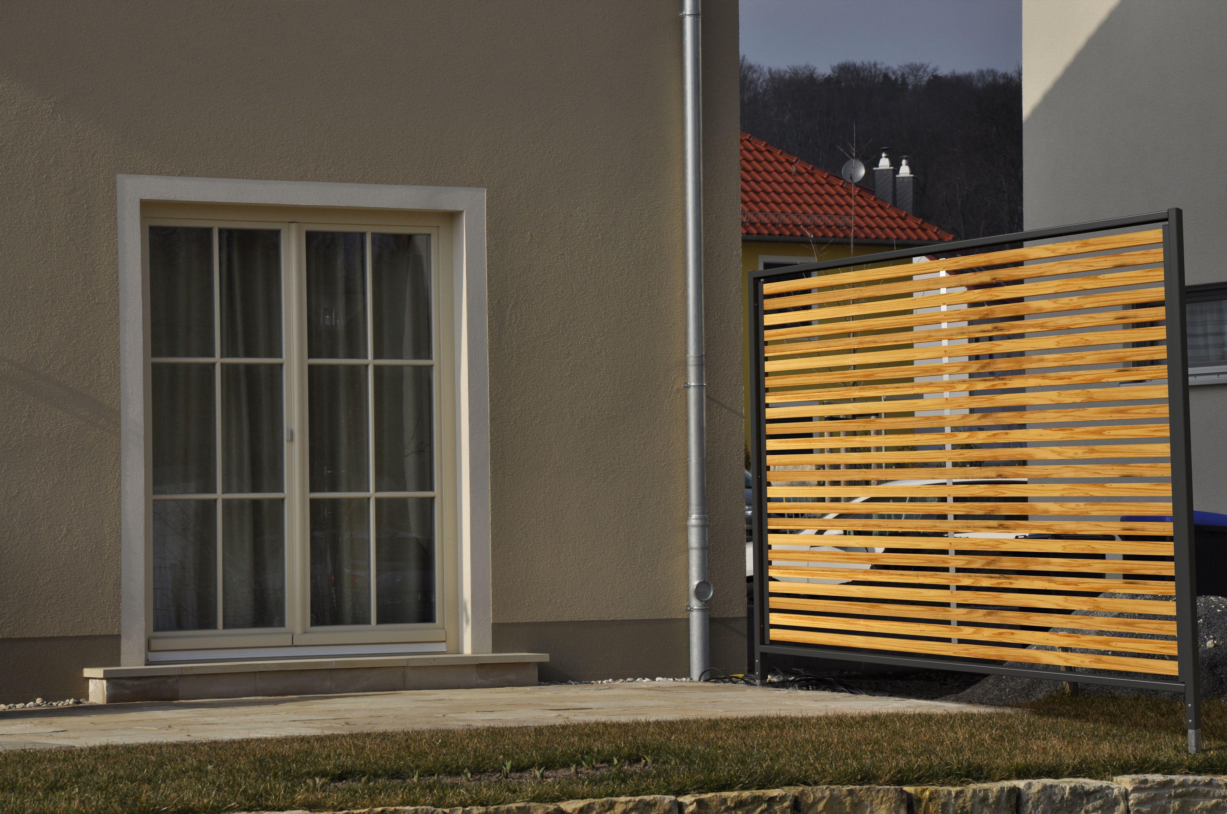 Sichtschutzelemente Lärche Metall Ral 7016