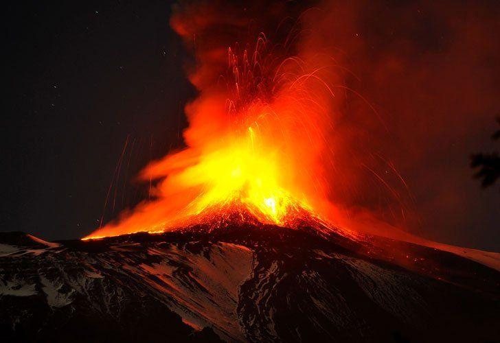 Impresionantes imágenes de la erupción del volcán Etna