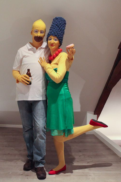 25 id es de d guisements en couple ou en groupe homer simpson costumes and halloween costumes - Idee deguisement groupe ...