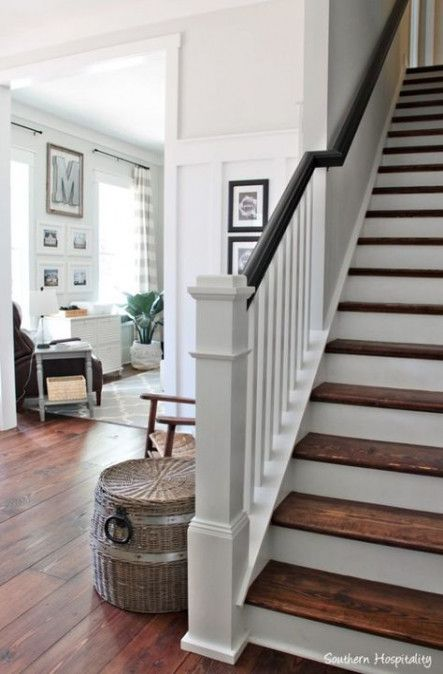 Farmhouse Staircase Railing Newel Posts 20+ Ideas #staircaserailings
