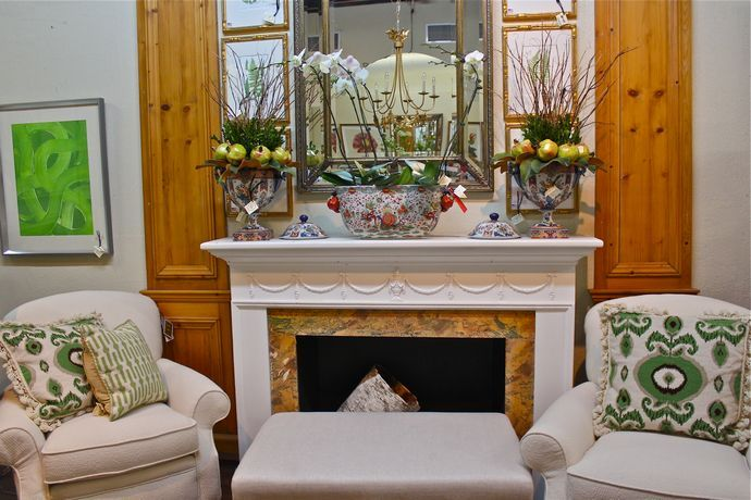 Mantle accessories, mirror and chairsa