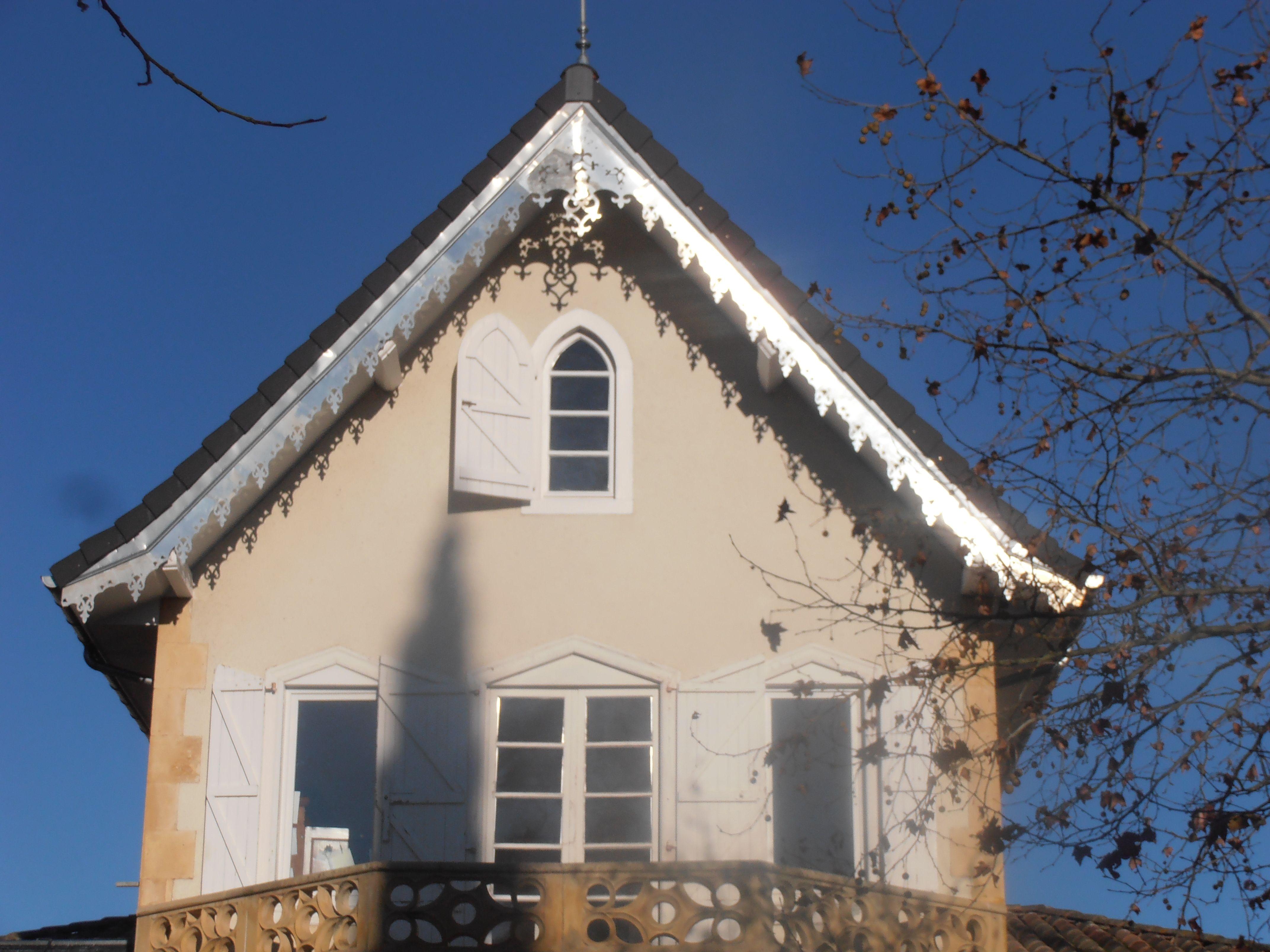 lambrequin en zinc 2012 ornabat frises et lambrequins de toit pinterest lambrequin d co. Black Bedroom Furniture Sets. Home Design Ideas