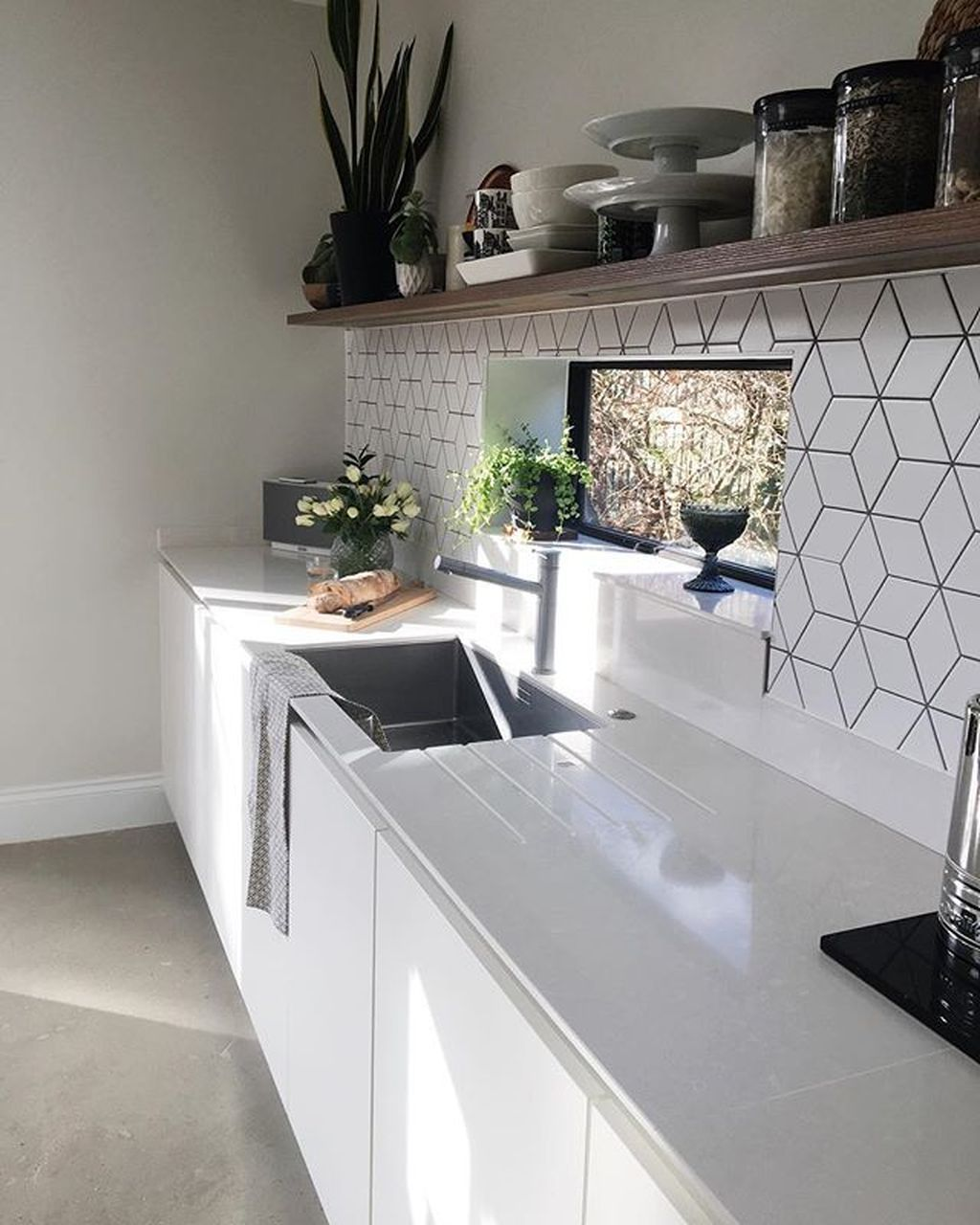 55 stunning geometric backsplash tile kitchen ideas kitchen tiles home kitchens kitchen on kitchen interior tiles id=64332