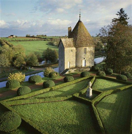 Chateau 'Le Jardin du Manoir d'Eyrignac'. French style