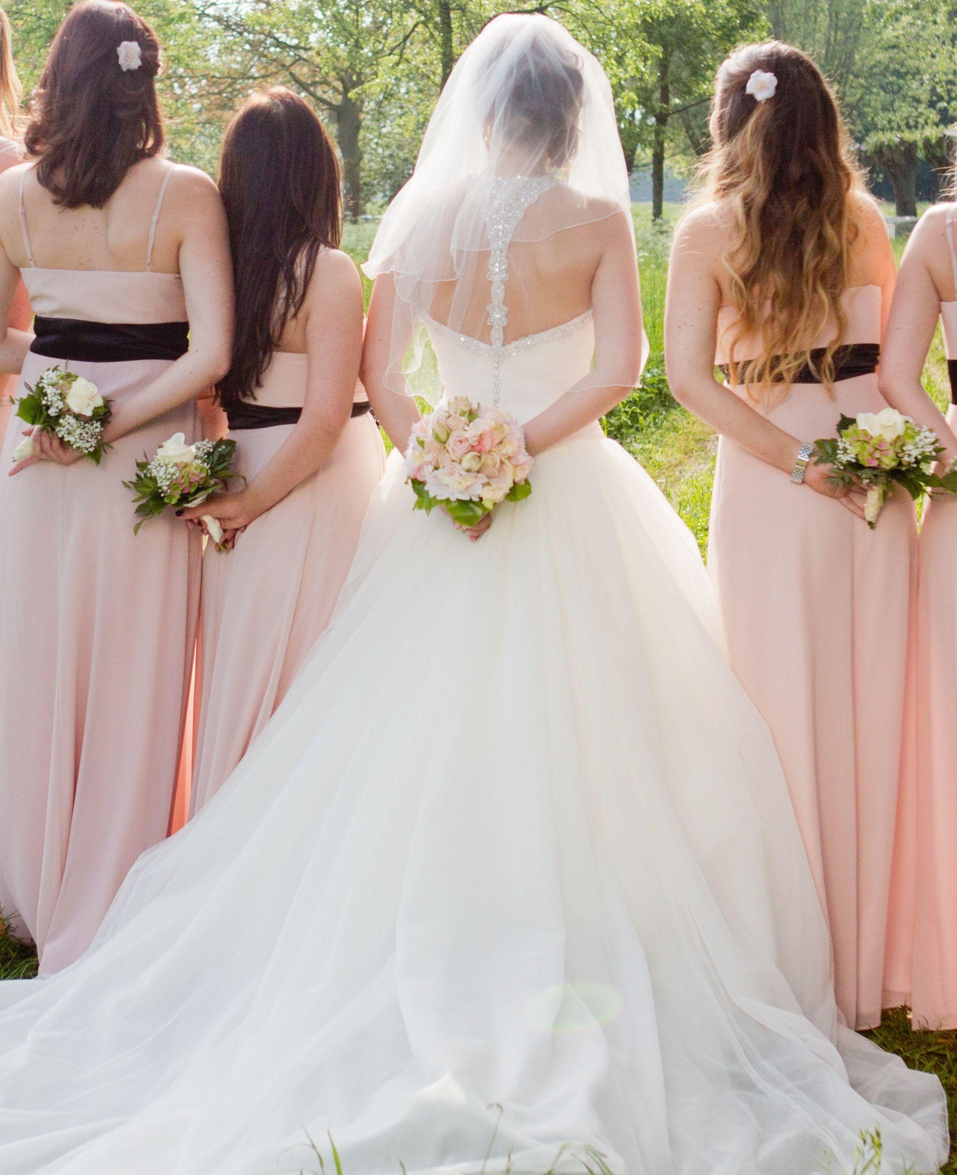 Bridemaids #Wunschbrautkleid #Brautjungfern #rosa #Justinalexander ...