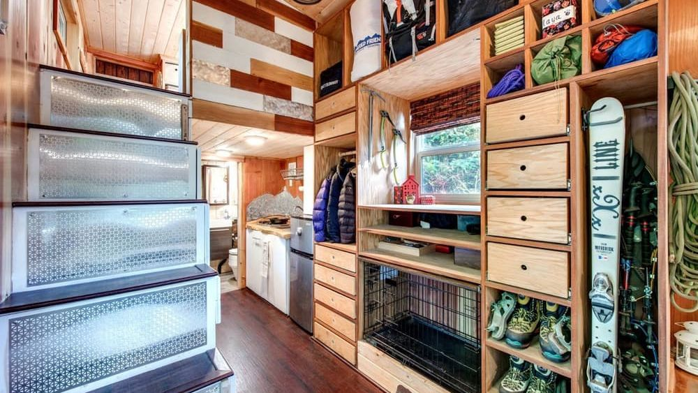 Couple Designs Tiny House Fit For 3 Dogs And So Much Stuff Off