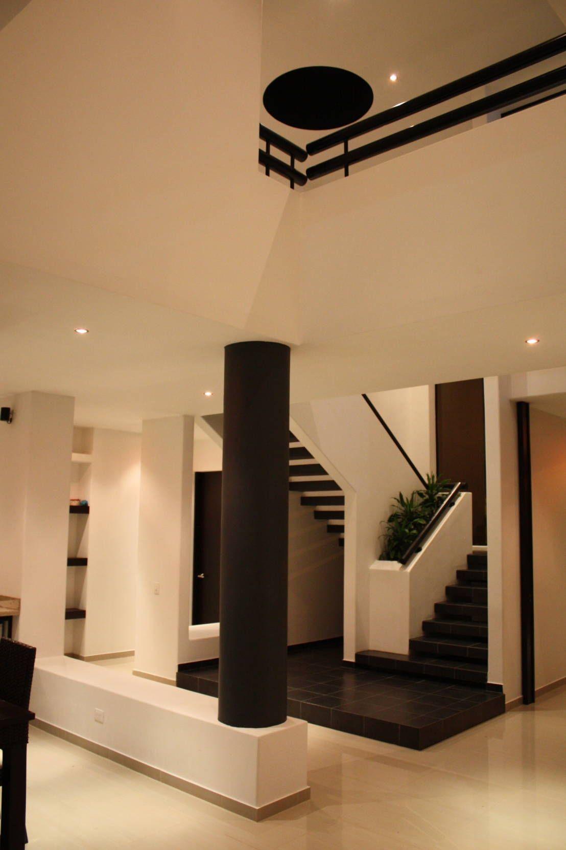 ¡Una casa que lo tiene todo!   Casas modernas interiores ... on Interiores De Casas Modernas  id=30853