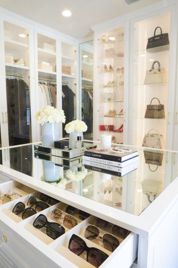 A Dream Closet by Lisa Adams – #Adams #Closet #Dream #Lisa #traditional - Kleiderschrank ideen