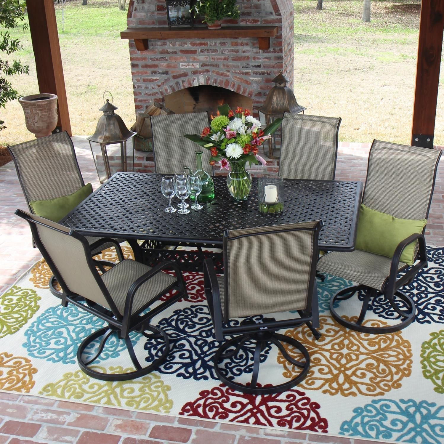 Round Outdoor Dining Sets For Less