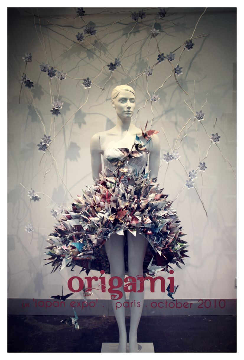 Origami Window Display By Jaaadey On Deviantart Window Display Display Origami
