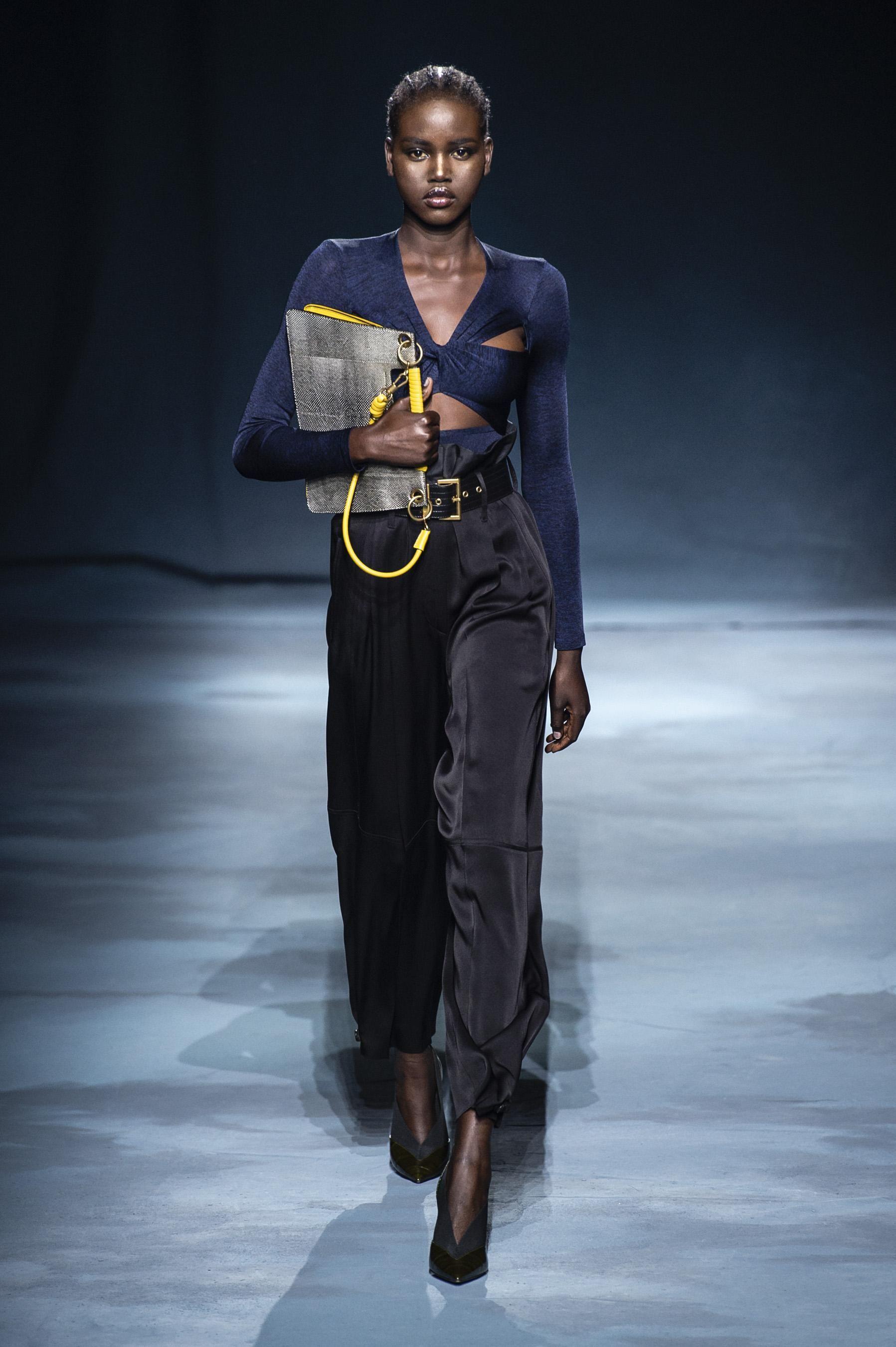 9ee4fa4dbbeb2 Défilé Givenchy printemps-été 2019 Prêt-à-porter - Madame Figaro