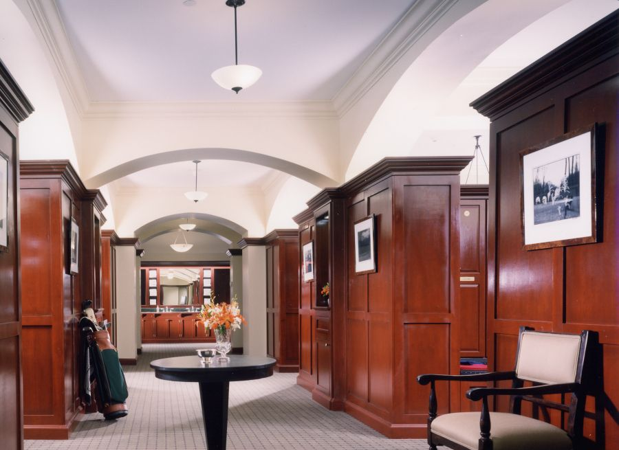 Men s golf club locker room  Not really for the home but I love the oak27 best Golf Club Interiors images on Pinterest   Golf clubs  . Golf Decorated Rooms. Home Design Ideas