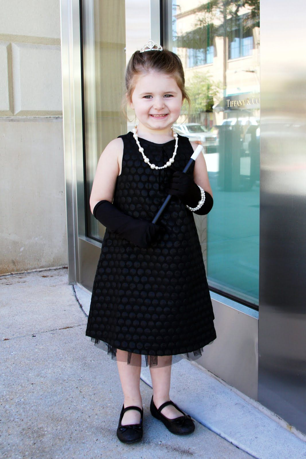 emme claire as holly golightly ~ breakfast at tiffany's (mini audrey