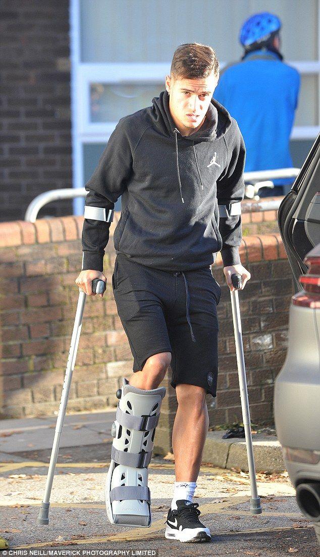 Liverpool hviezda Philippe Coutinho dorazí do nemocnice na testy na jeho zraneného členku