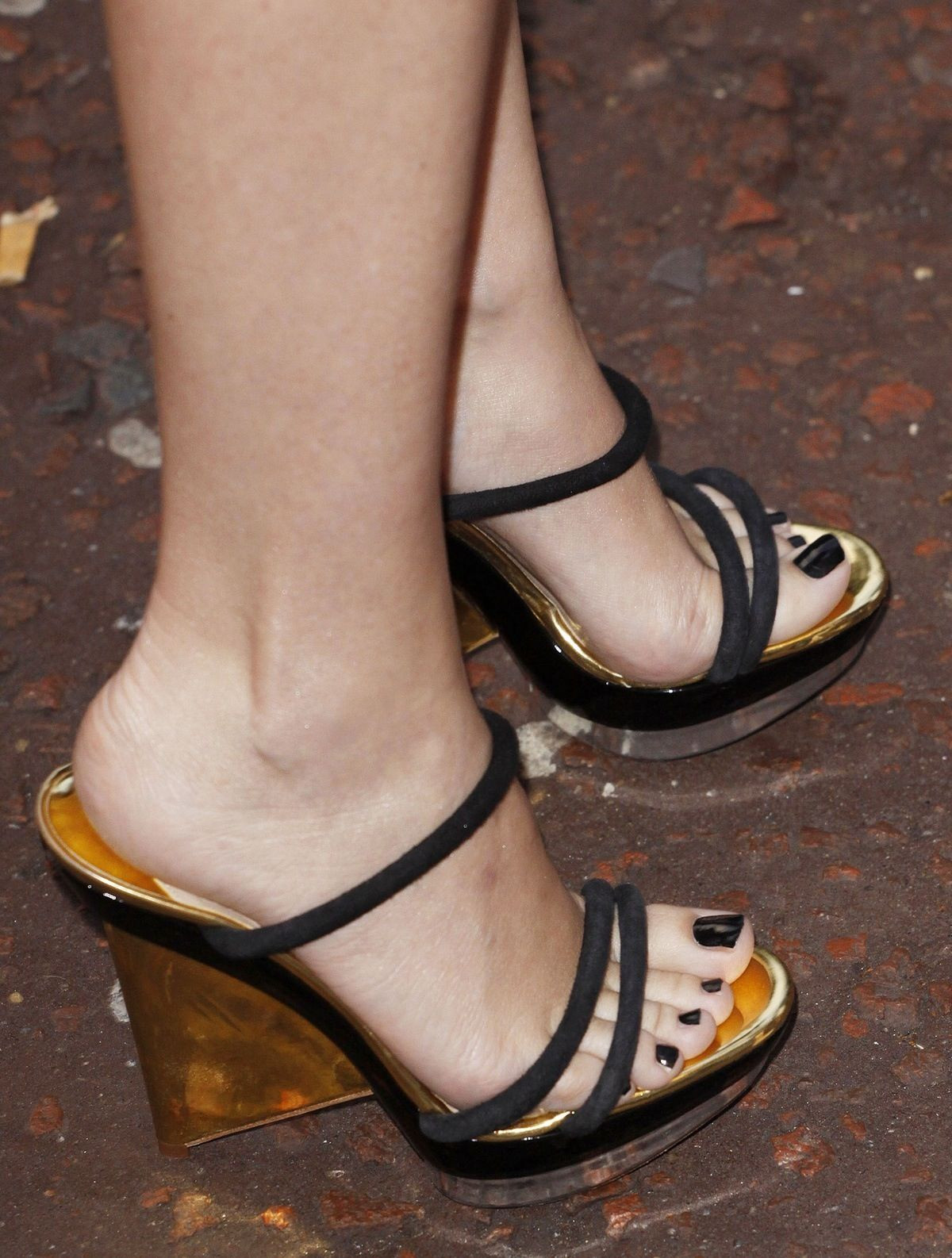 High Heels and Sandals: To wear or not to wear? - Athletico