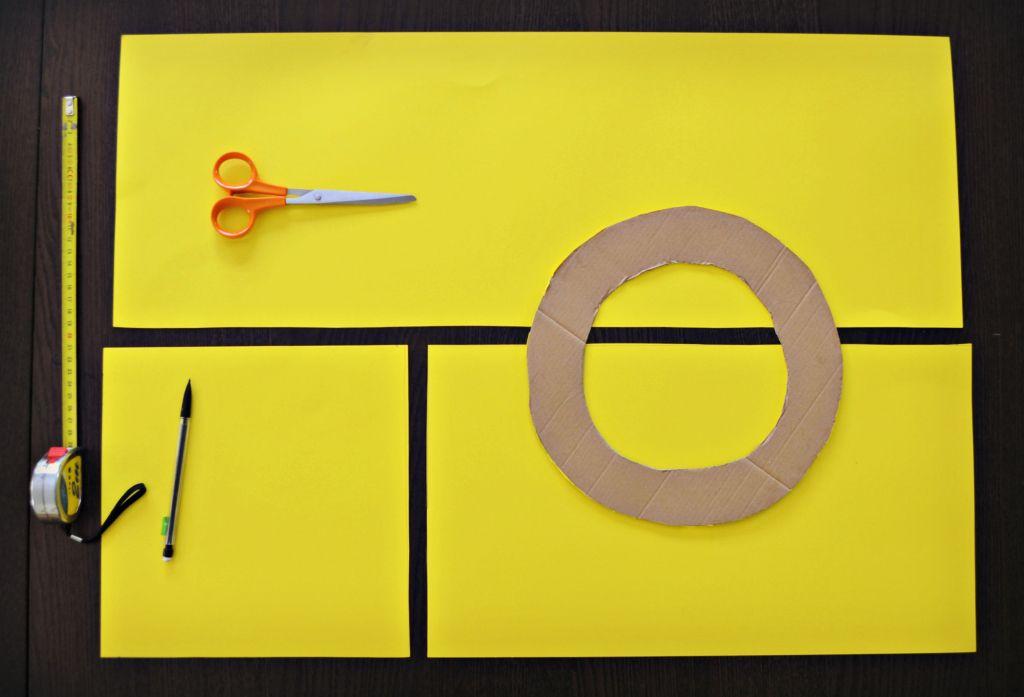 tuto pour fabriquer un costume lego tete en carton diy. Black Bedroom Furniture Sets. Home Design Ideas
