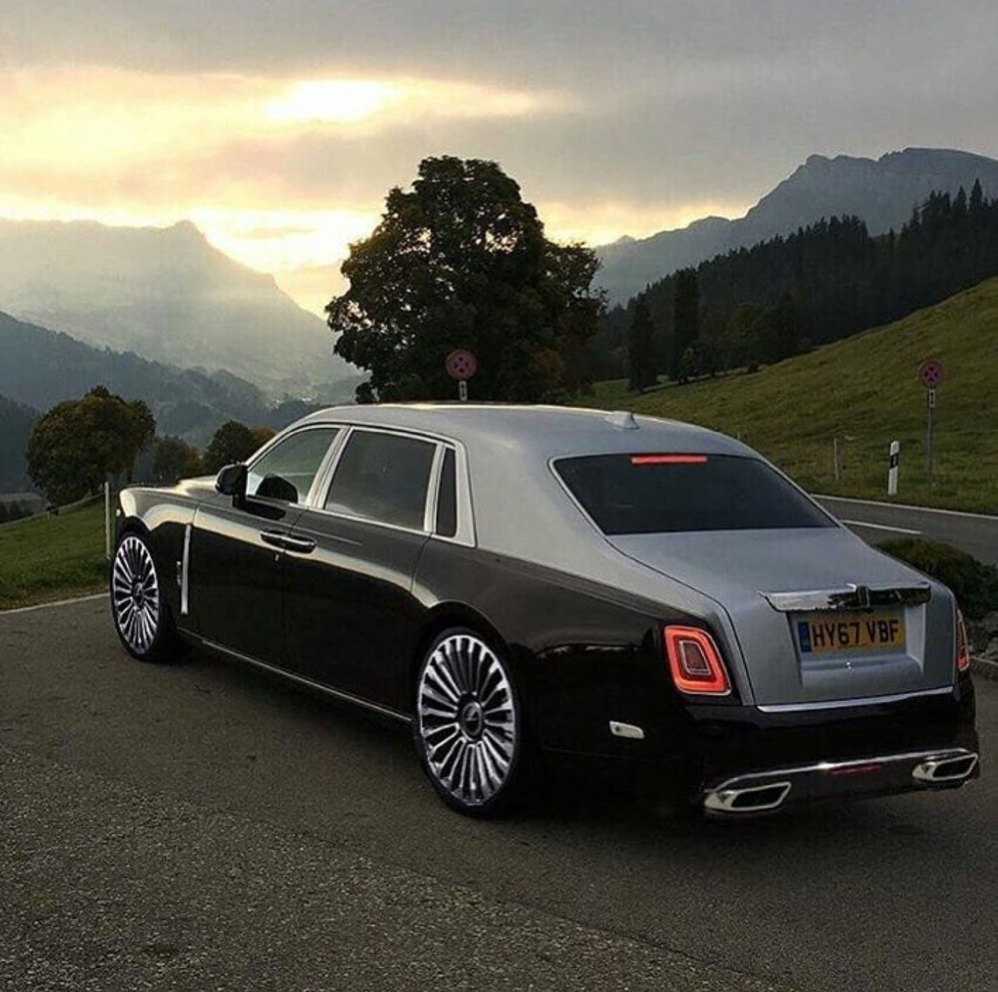 Supercar Duo Luxurycorp Rollsroyce: Rolls Royce, Rolls Royce Cars, Classic Cars