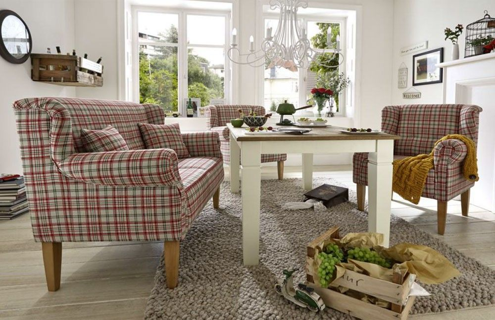 Ein stylisches esszimmer im landhausstil country for Sofa landhausstil