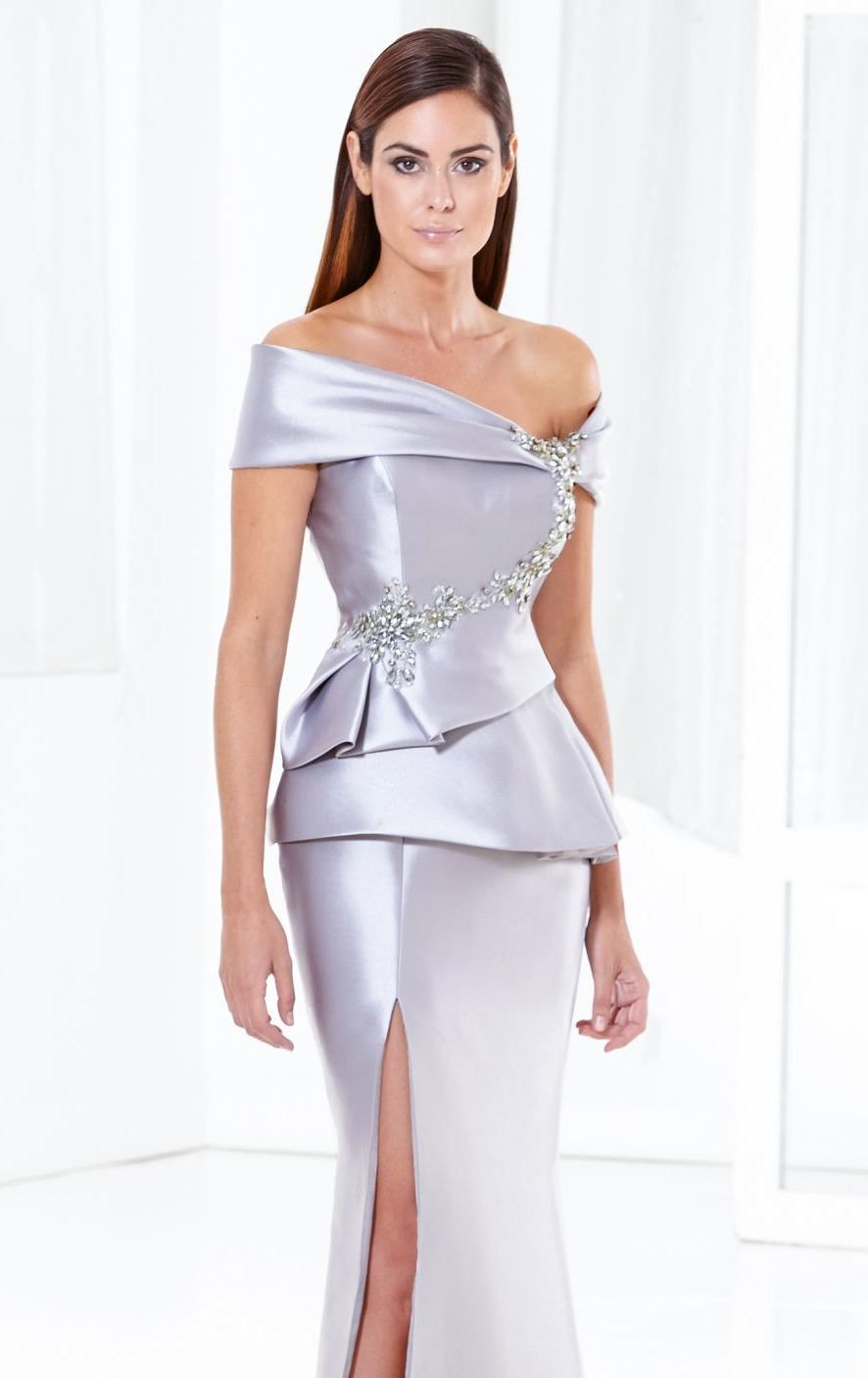Be at your best with Terani Couture Evening E3778. A lovely evening ...