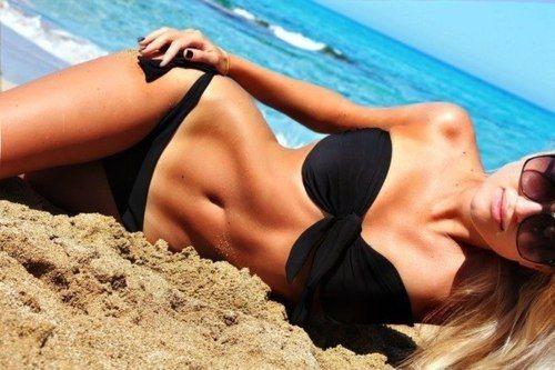 i wanna look like her i want my body like tht , summer goal , yea yea ik ik im skinny but i want tht tummy look