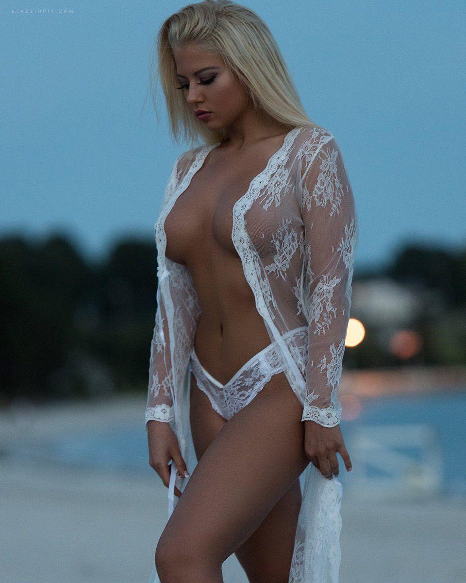 Lauren Luongo | BIG FAKE BOOBS | Pinterest | Hottest blondes, Girls ...