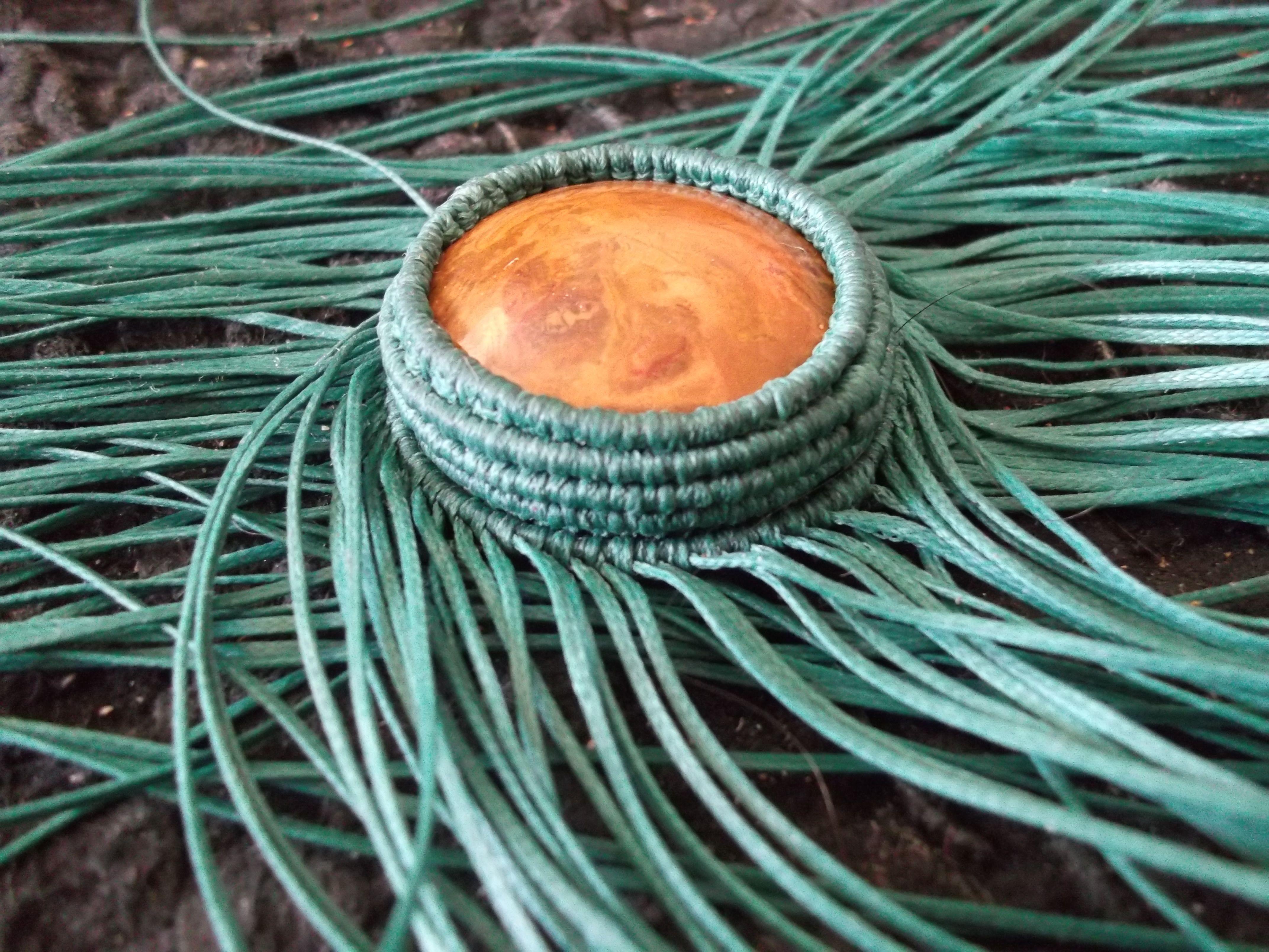 incastonatura gioielleria in macramè su pietra occhio di tigre andino