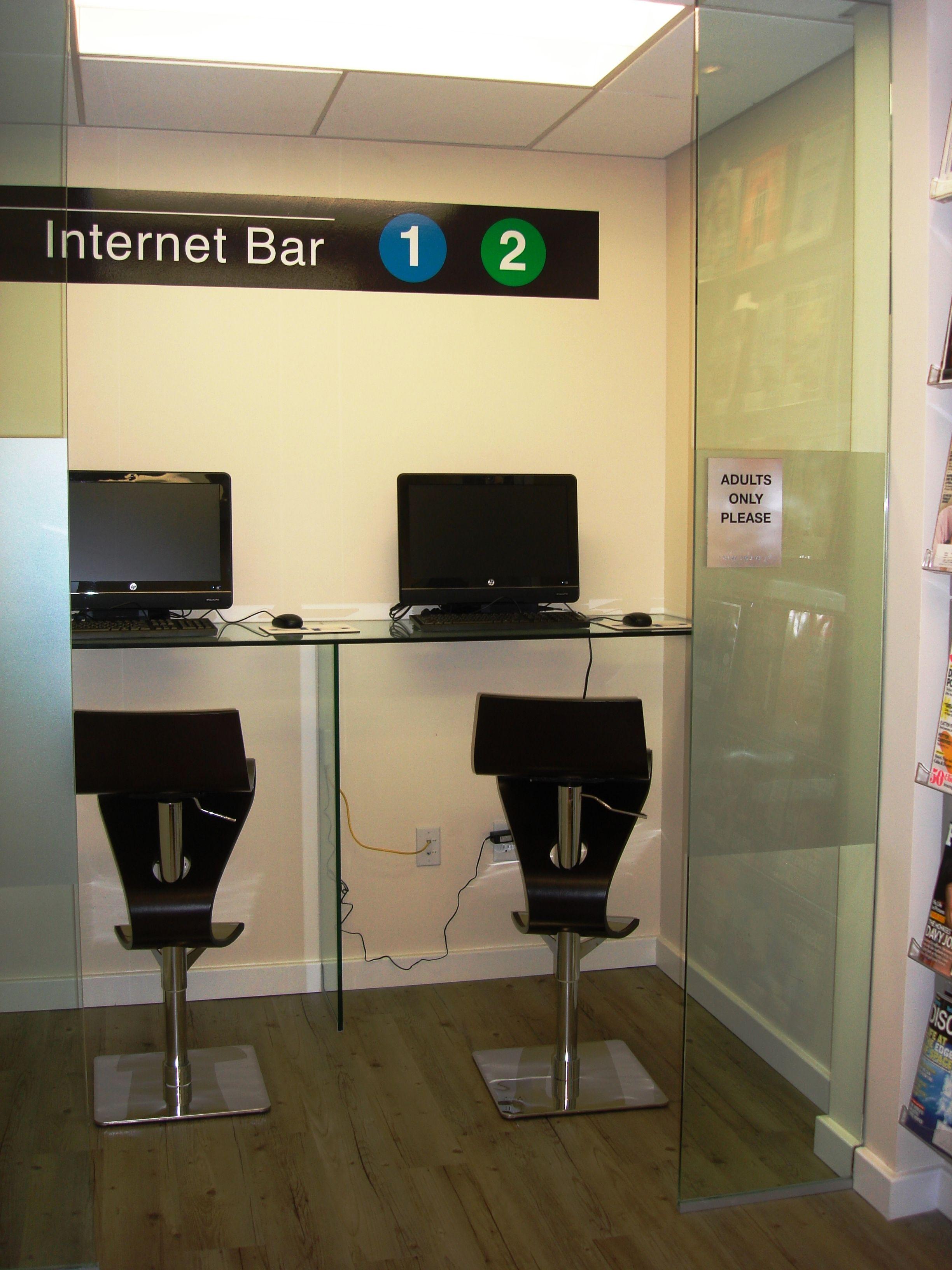 Dentist modern waiting room internet bar dental office for Dental office design chapter 6