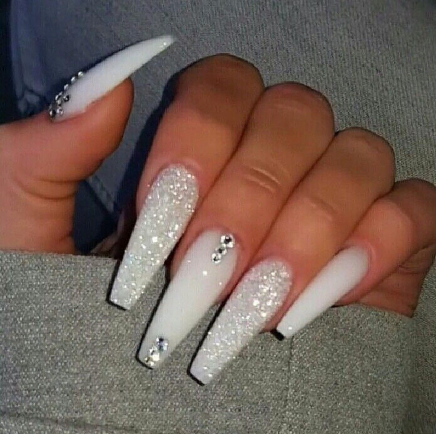Pin By Thenaturalfeedzzz On Hair And Nail Suggestions Best Acrylic Nails Nails Design With Rhinestones White Acrylic Nails