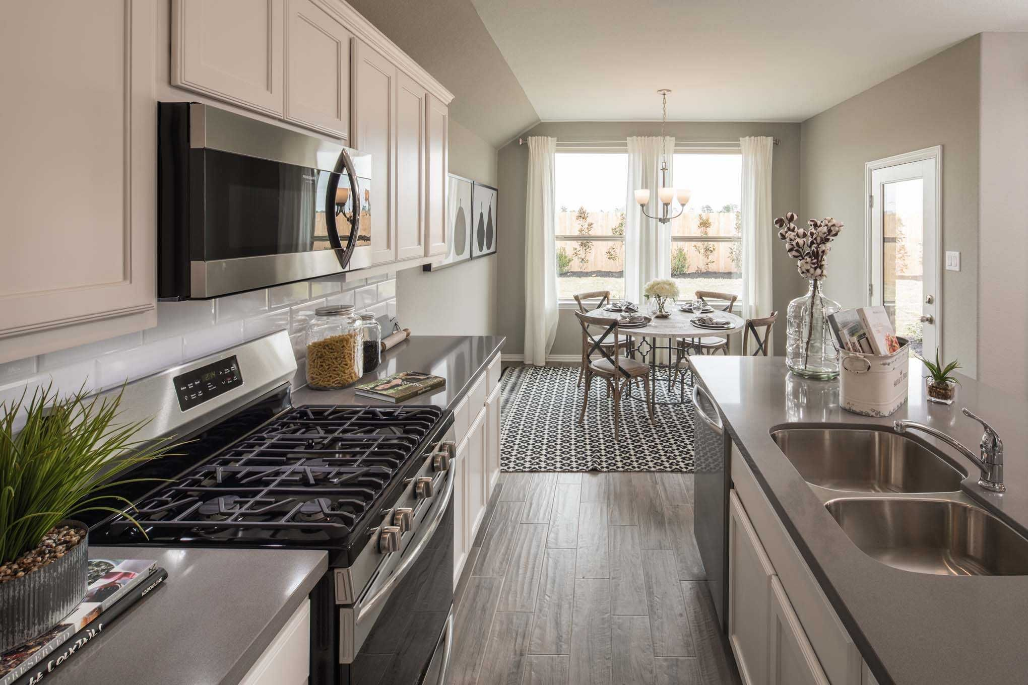 Highland Homes Ashwood Model Home In Houston Texas Laurel Glen Amazing New Model Kitchen Design Inspiration
