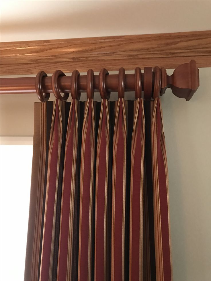 Dark Red Striped Curtains Hung From A Wooden Curtain Pole Smart Euro Pleat Heading Cortineros De Madera Cortinas De Madera Accesorios Para Cortinas
