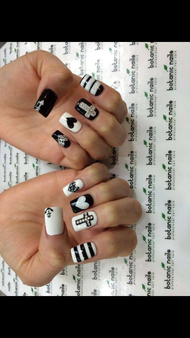 Black/white nails!