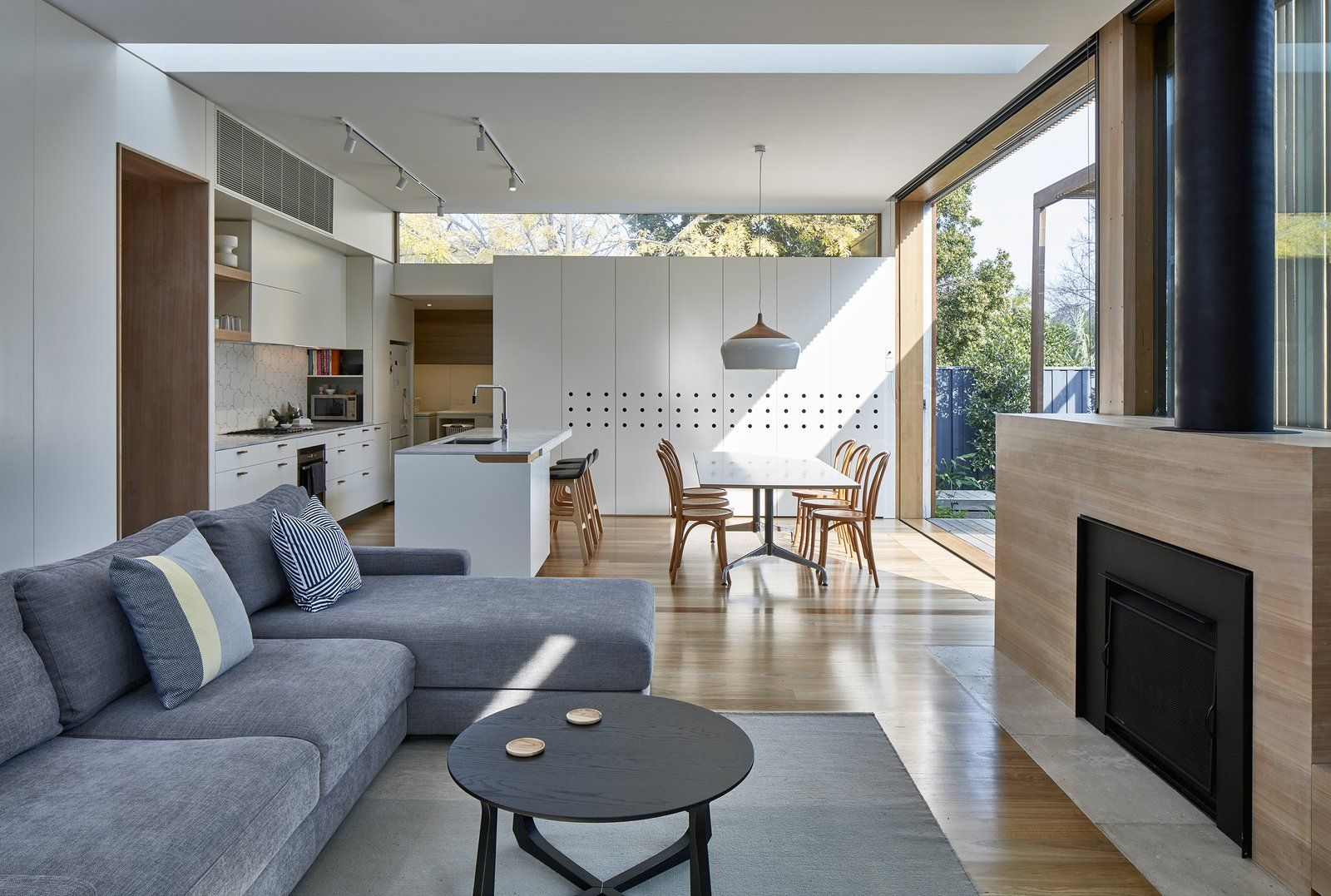 Wooden Screens Shade This Sustainable Melbourne Residence Home