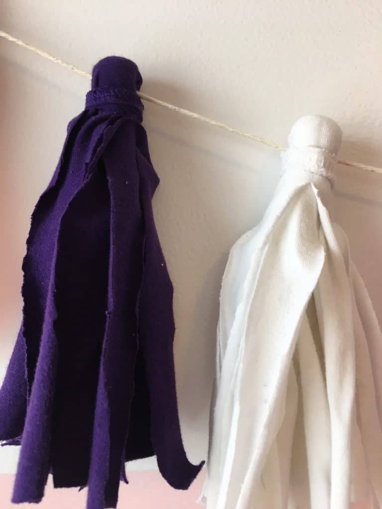 DIY Tassel Garland using Old Kids' Clothes - An Easy Fabric Garland! -   19 DIY Clothes For Winter fabrics ideas