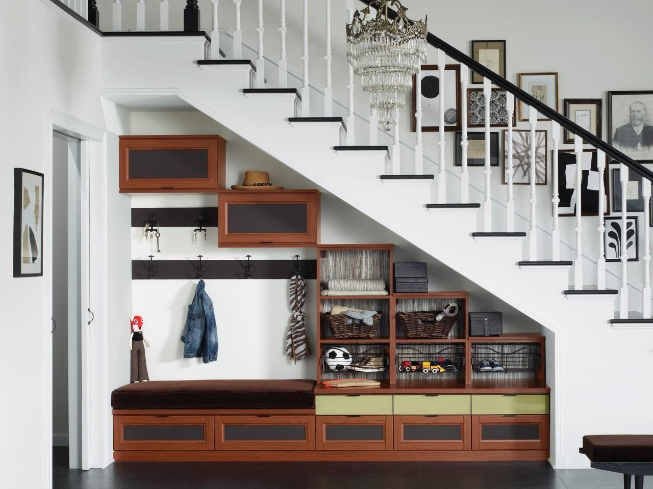 Ci Ca Closets Small Space Solutions Under The Stair Storage H Rend Hgtvcom