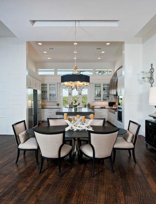 Wohnung Ideen luxus wohnung mit schwarzem kronleuchter und interessanten deko