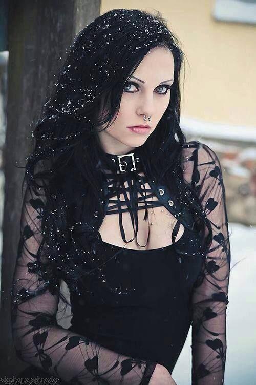 Rock, Goth, Heavy Metal clothes   Raparigas góticas