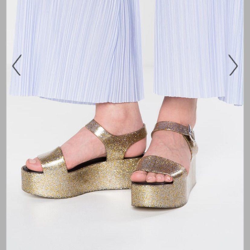 Melissa Mar - Platform Sandals Gold