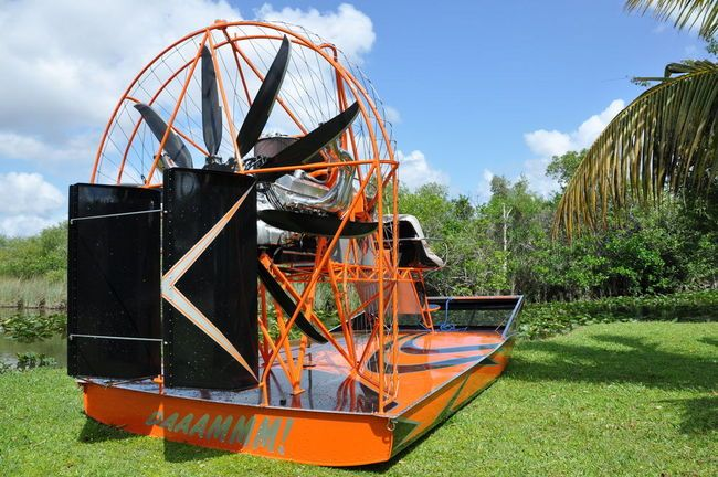 Daaammm Airboat ! - Southern Airboat Picture Gallery ONE
