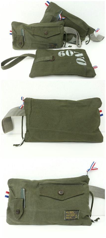 Handgemaakte tasjes van legertenten met een rits. Omdat ze handgemaakt zijn kunnen de afmetingen iets afwijken.  Afm. 30x17 cm    € 12,00  www.facebook.com/stoeruhzaken.nl