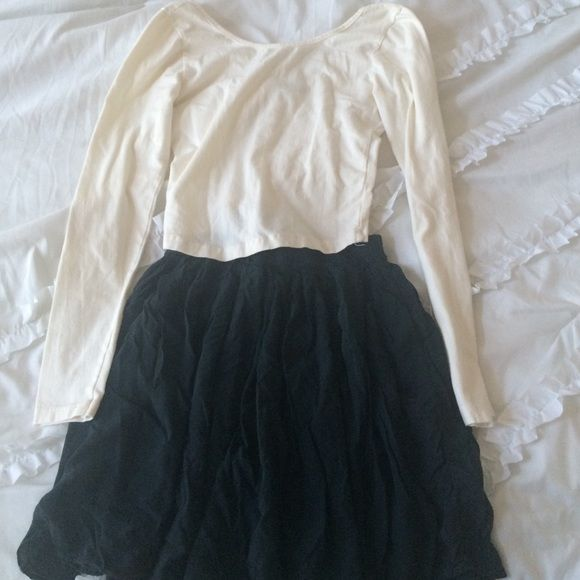 Brandy Melville bundle! Top and Skirt! Brandy Melville long sleeve crop top and a beautiful flowy navy skirt! I wore this whole outfit once! Small skirt and top! Brandy Melville Tops Crop Tops